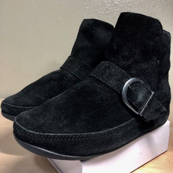 166bfd23f1b0 Fitflop Shoes - Fitflop Women s Size 7 Short Black Boot Suede